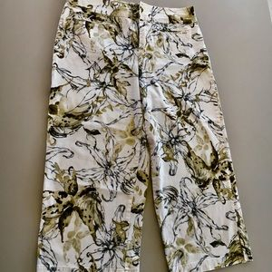 CHICO'S size 2 ( large/12) print Capri pants